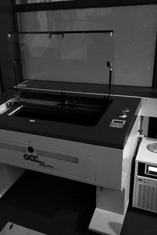 GCC duo lasergraveermachine bij AJ designs